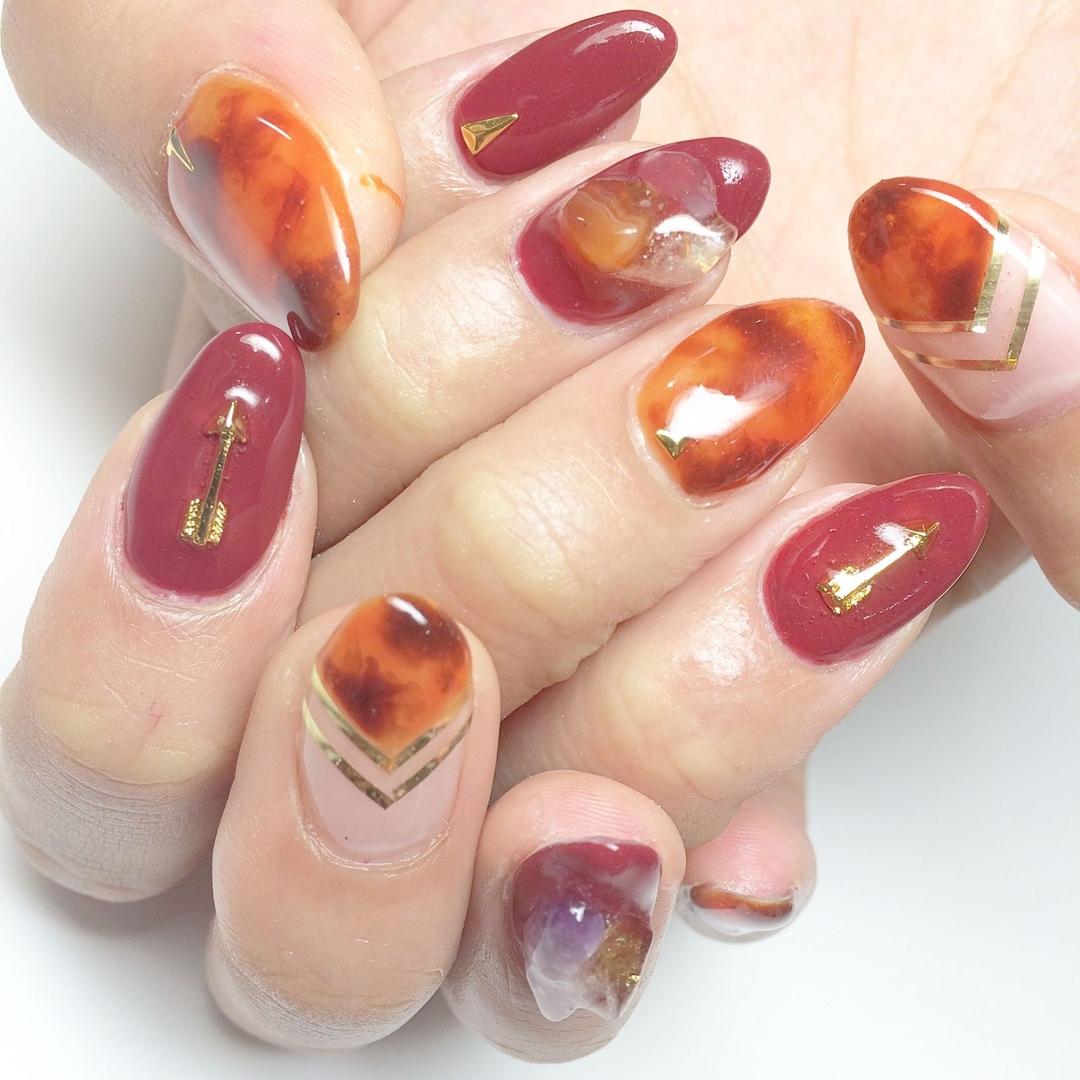 Miki Hondaさんのネイルデザインの写真。テーマは『秋ネイル、べっ甲ネイル、ネイルコンテストAW15、べっ甲、秋カラー、定額制、ネイル、ネイルアート、天然石』