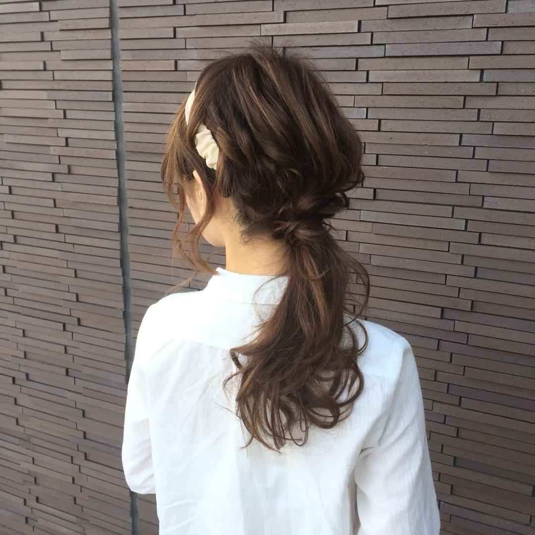 marikoさんのヘアスタイルの写真。テーマは『アレンジ、ポニーテール、ねじり、アッシュグレージュ、秋カラー』