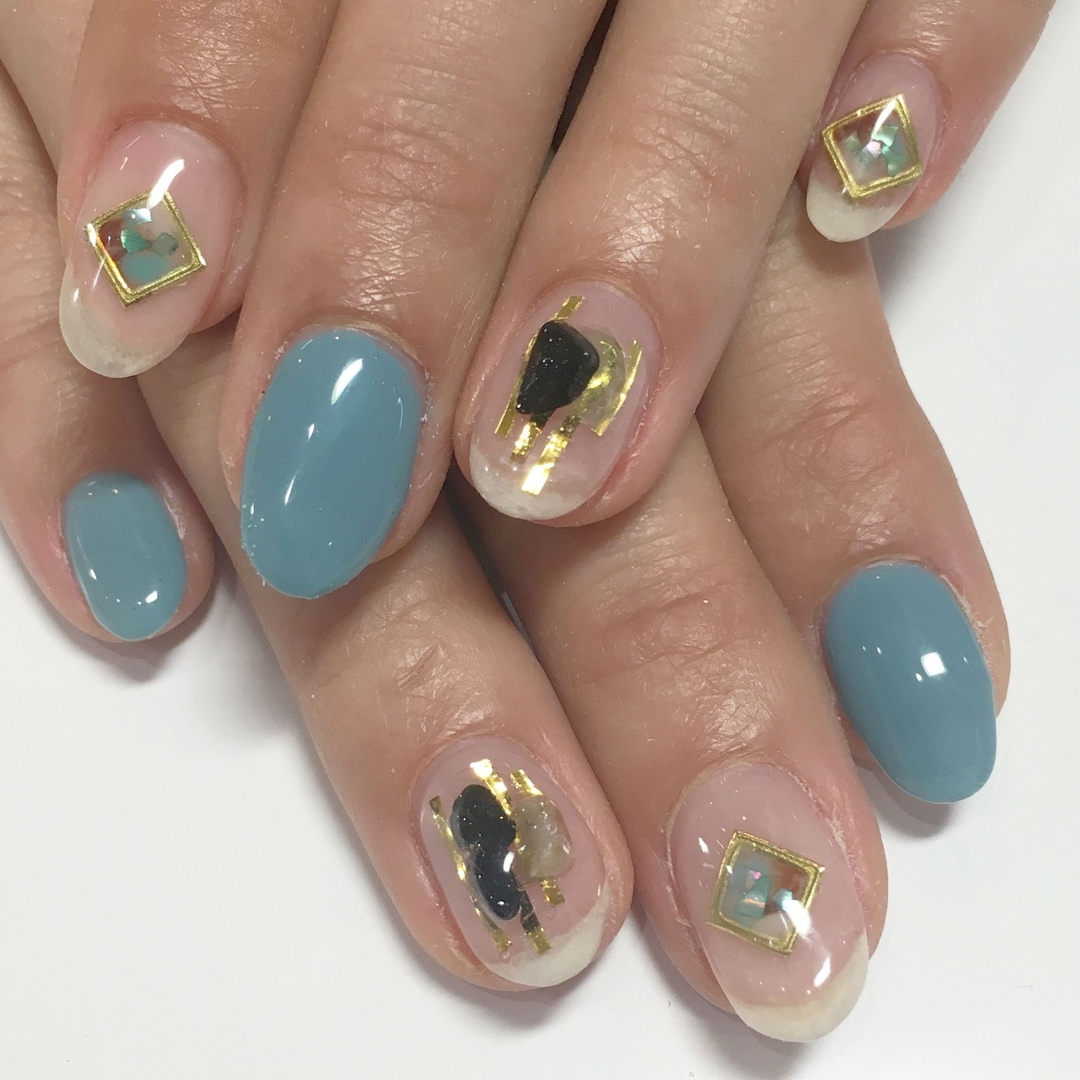 Miki Hondaさんのネイルデザインの写真。テーマは『nail、nails、nailist、nailart、nailsalon、tokyo、shibuya、fashion、life、like、love、instagood、instadaily、follow、followme、me、happy、salon、winter、instanail、ネイル、ネイリスト、ネイルアート、ネイルデザイン、美甲、天然石、シェル』