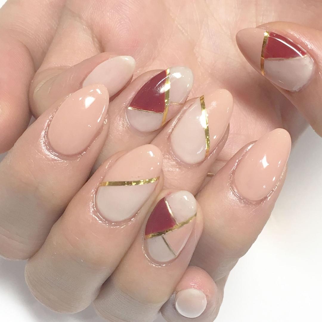 Miki Hondaさんのネイルデザインの写真。テーマは『nail、nails、nailist、nailart、nailsalon、tokyo、shibuya、fashion、life、like、love、instagood、instadaily、follow、followme、me、happy、salon、winter、instanail、ネイル、ネイリスト、ネイルアート、ネイルデザイン、美甲、バイカラー』
