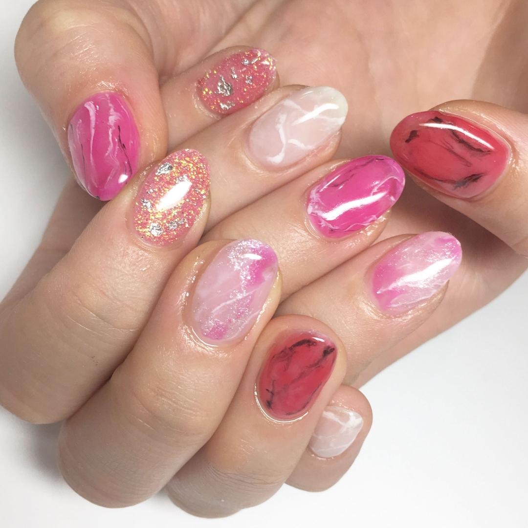 Miki Hondaさんの写真。テーマは『大理石ネイル、nail、nails、nailist、nailart、nailsalon、tokyo、shibuya、fashion、life、like、love、instagood、instadaily、follow、followme、me、happy、instanail、ネイル、ネイリスト、ネイルアート、ネイルデザイン、美甲、pink、spring、春ネイル、大理石、透け感』