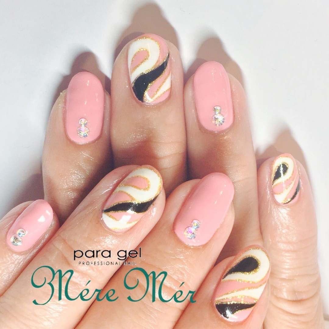 Satomi Kawamitsuさんのネイルデザインの写真。テーマは『プッチネイル、ジェル、nail、春、ピンク、スワロフスキー、キャンペーン』