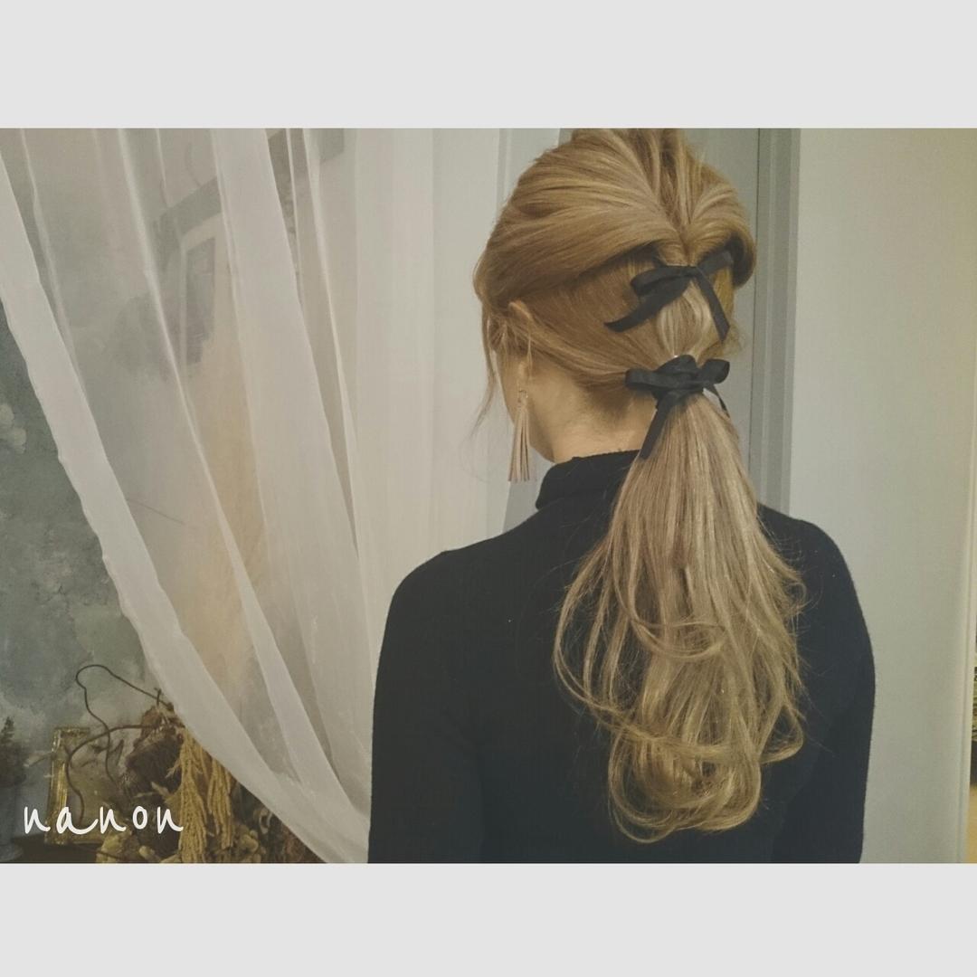浦川 由起江さんのヘアスタイルの写真。テーマは『リボン、ヘアアレンジ』