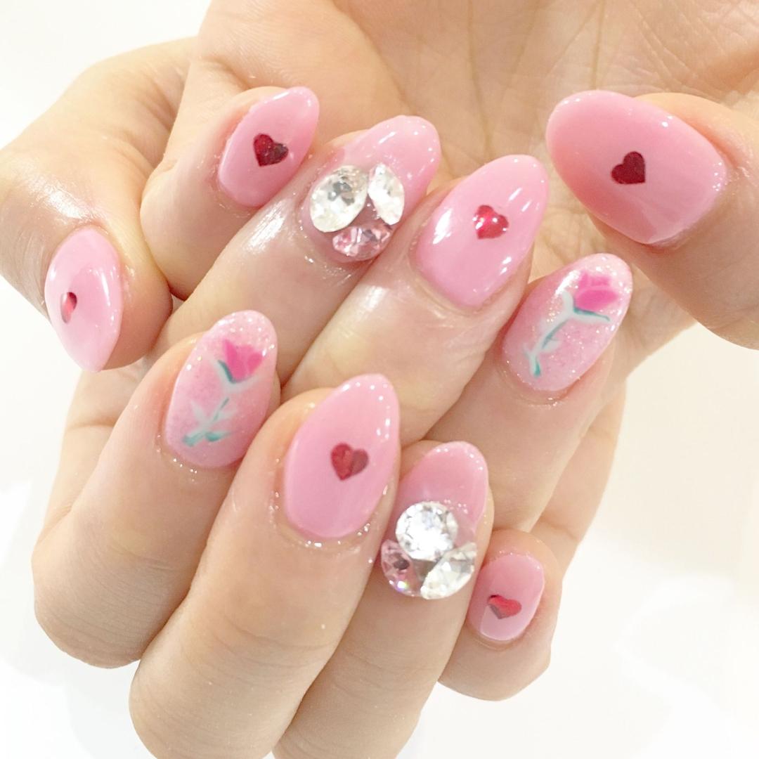 Miki Hondaさんのネイルデザインの写真。テーマは『一輪花、nail、nails、nailist、nailart、nailsalon、tokyo、shibuya、fashion、life、like、love、instagood、instadaily、follow、followme、me、happy、instanail、ネイル、ネイリスト、ネイルアート、ネイルデザイン、美甲、pink、spring、春ネイル、flower、花柄ネイル、一輪ネイル』