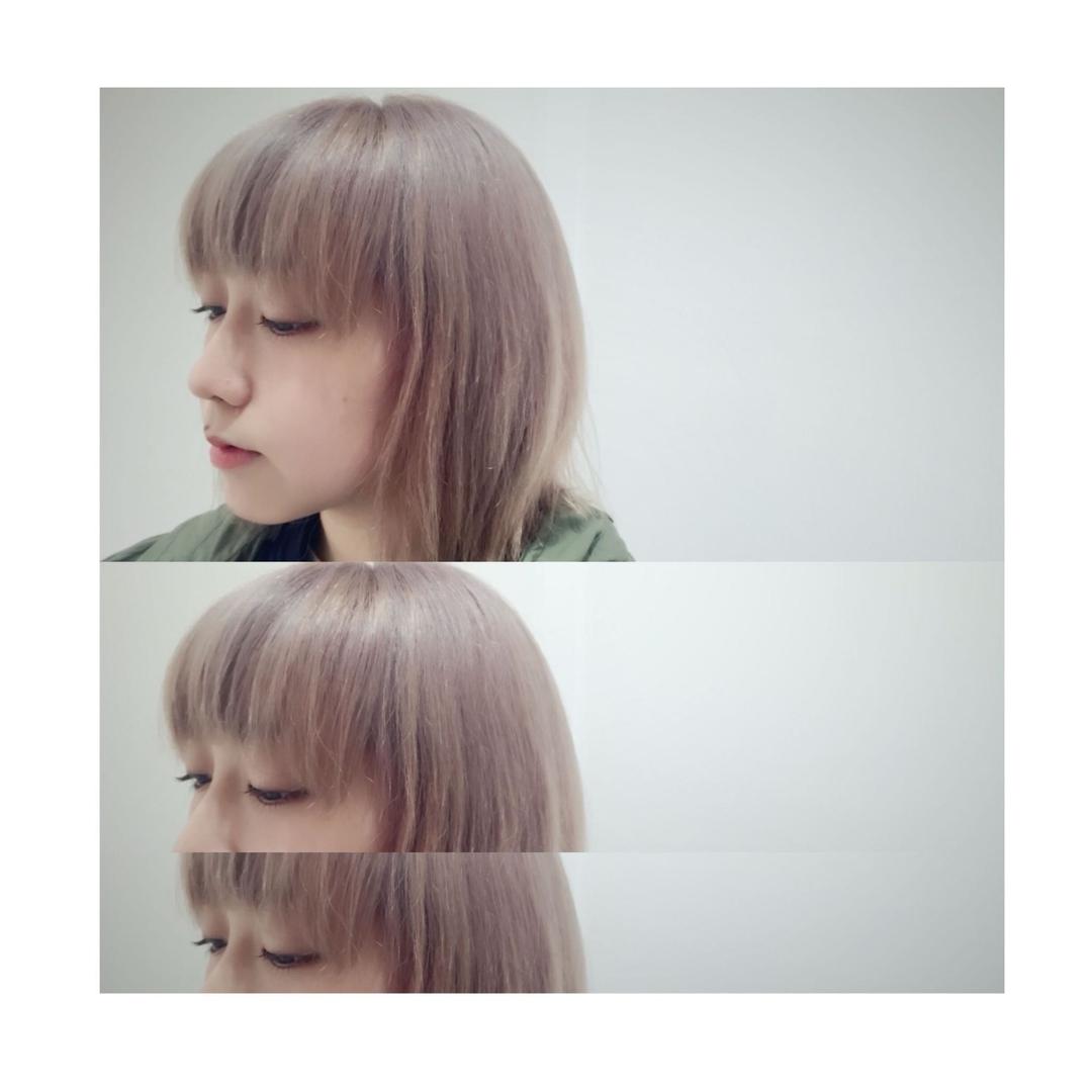 郡司咲弥佳さんのヘアスタイルの写真。テーマは『透明感、アッシュグレージュ、ラベンダー、ショート』