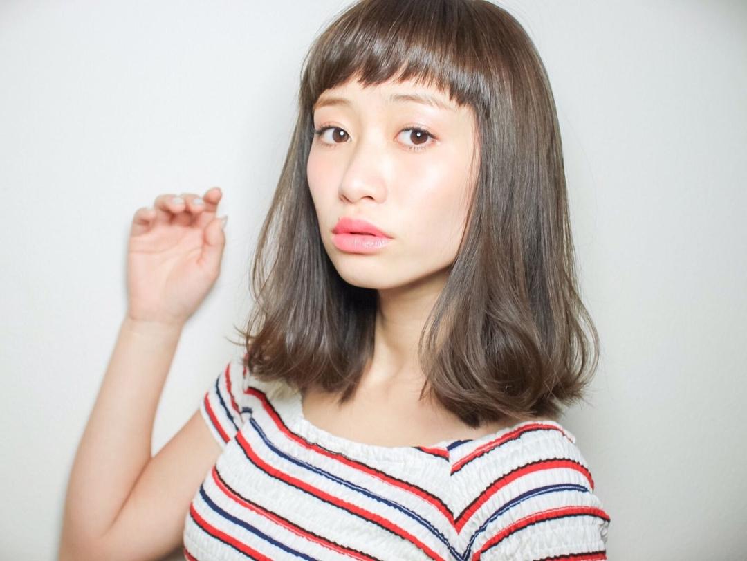髪の毛が細いからこそ、透明感があるアッシュグレージュ本来の綺麗な髪色が楽しめます
