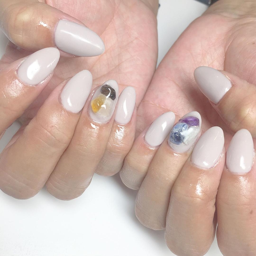 Miki Hondaさんのまつげの写真。テーマは『nail、nails、nailist、nailart、nailsalon、tokyo、shibuya、fashion、life、like、love、instagood、instadaily、follow、followme、me、happy、instanail、ネイル、ネイリスト、ネイルアート、ネイルデザイン、美甲、spring、春ネイル、天然石、天然石ネイル、グレージュ』