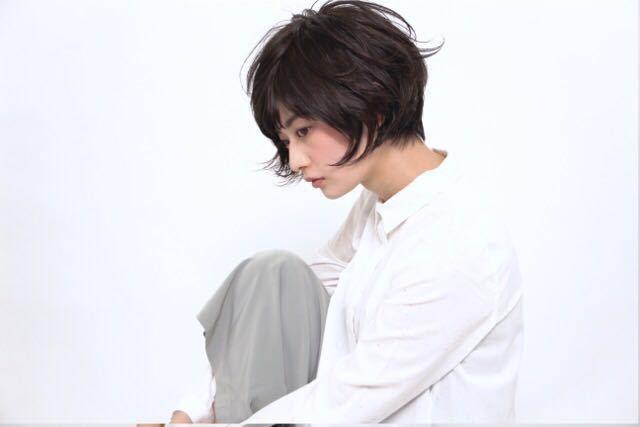 栗原貴史さんのヘアスタイルの写真。テーマは『ボブ、秋カラー、アッシュグレージュ、ショート』