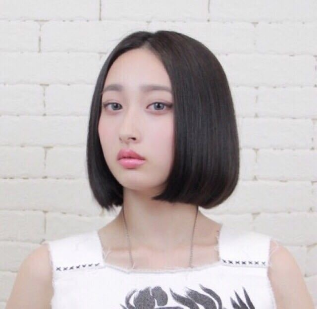 岩崎 桃子さんのヘアスタイルの写真。テーマは『ヘアスタイル、ボブ、mode、メイク』