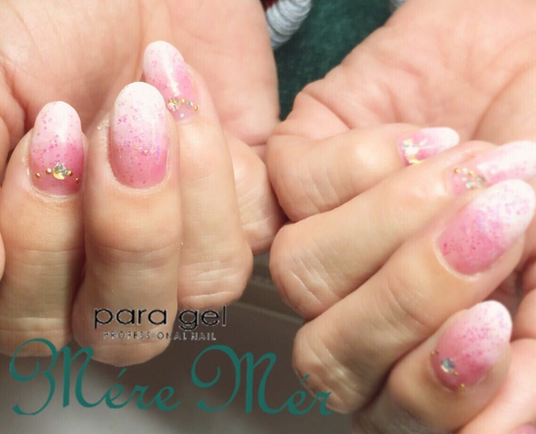 MereMer SayakaAoeさんの写真。テーマは『ピンクネイル、春ネイル、パラジェル認定サロン、キラキラネイル』