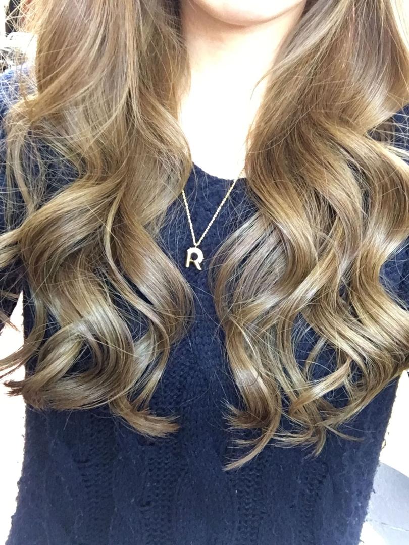 Rio Hirataさんのヘアスタイルの写真。テーマは『巻き髪、ジェミールフランスプレーSW』