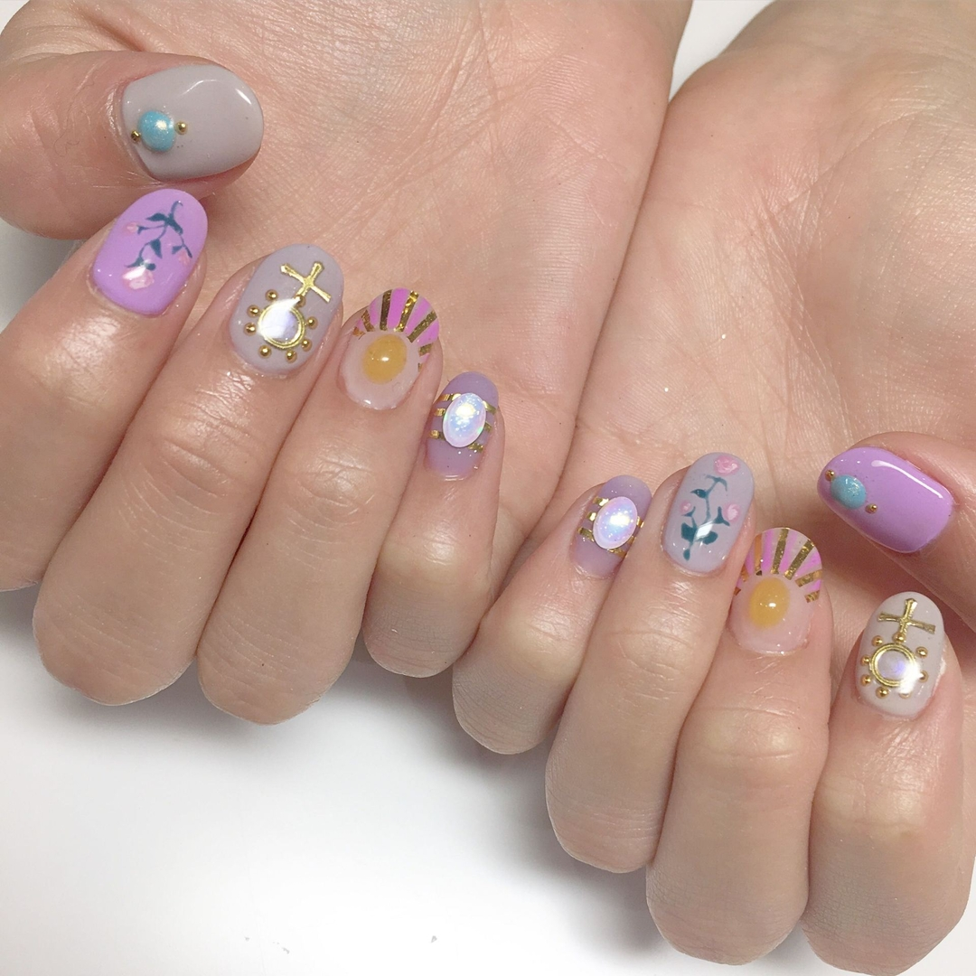 Miki Hondaさんのネイルデザインの写真。テーマは『goodmorning、ネイル、ネイルサロン、ネイルアート、ネイルデザイン、nail、nailsalon、nailart、naildesign、nails、instadaily、instagram、instafollow、instanails、夏ネイル、love、like、life、like4like、followme、follow、fashion、wego、flower、フラワーネイル、flowers』