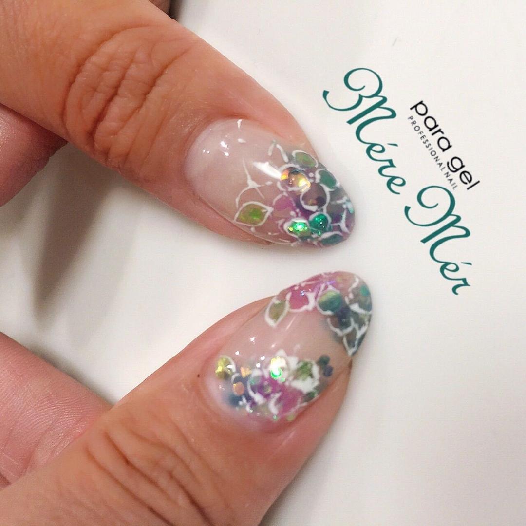 MereMer SayakaAoeさんのネイルデザインの写真。テーマは『あじさいネイル、紫陽花、キラキラネイル、梅雨ネイル』