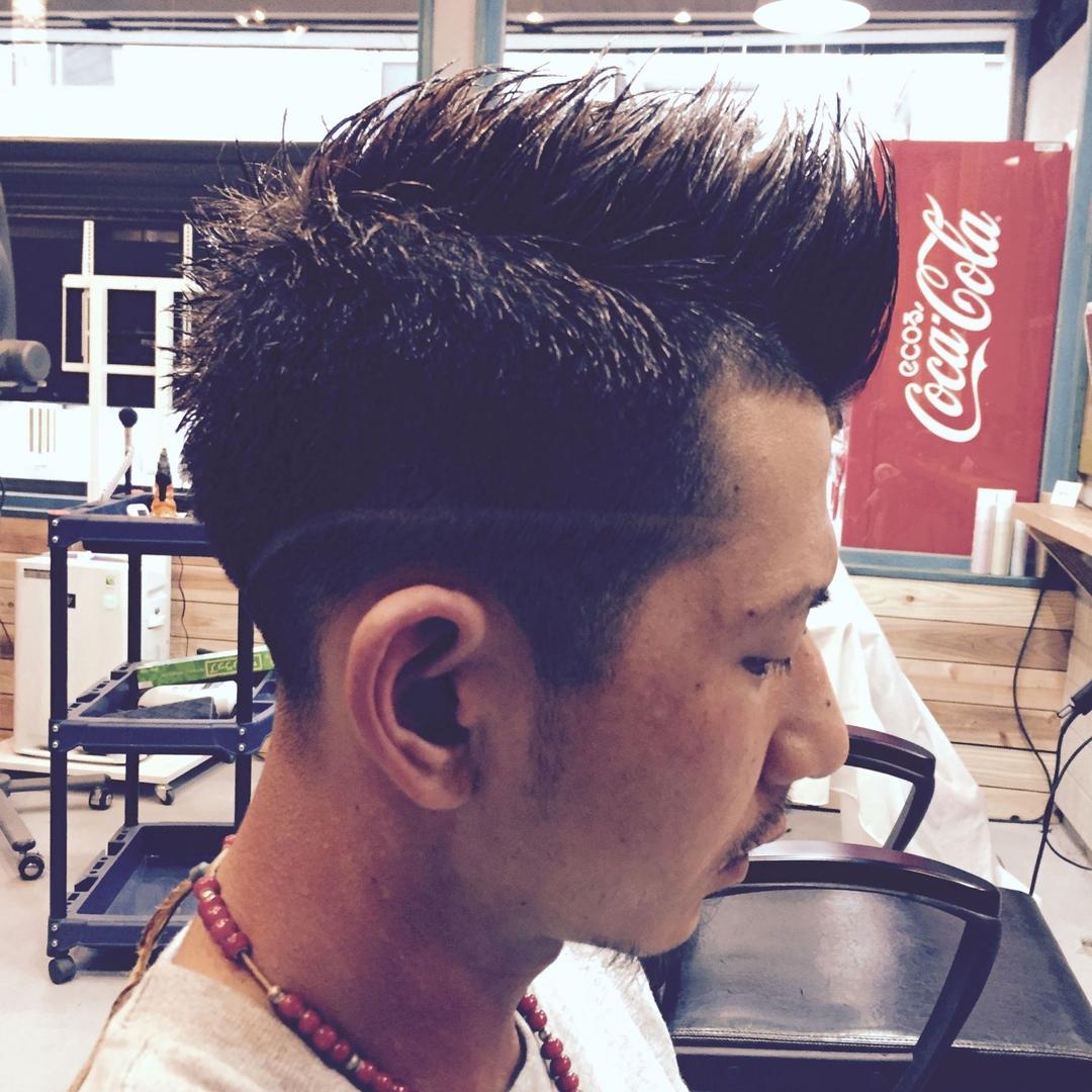 zyosehustepさんのヘアスタイルの写真。テーマは『ショート、ツーブロック、震災刈り、刈り上げ、ロカビリー、メンズ、メンズショート、男性カット』