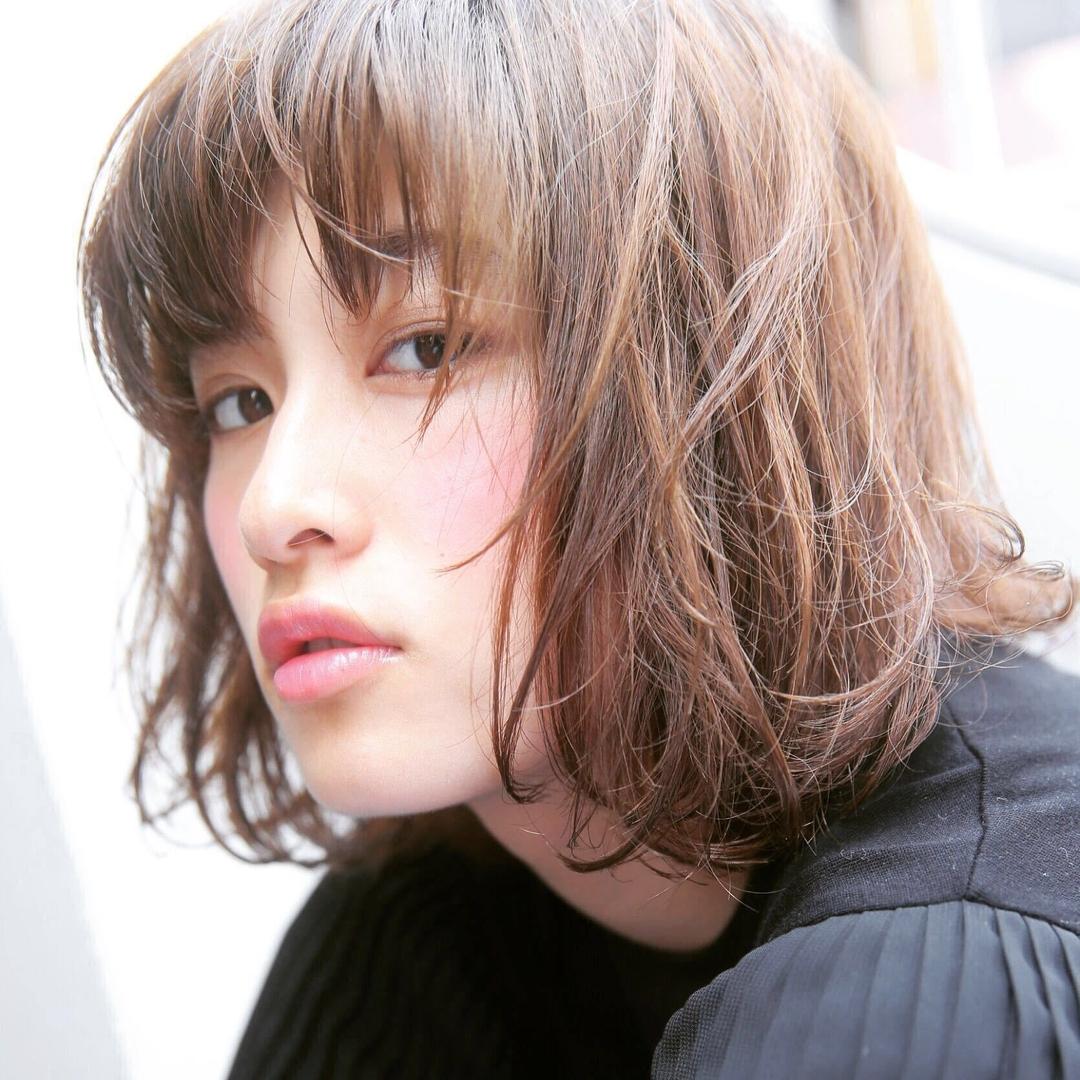Kenji suzuki Tierraさんのヘアスタイルの写真。テーマは『イルミナカラー、ウザバング、tierraharajuku、ボブ、夏ヘア、ナチュラル、長めボブ』