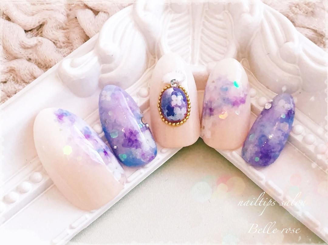 meguさんのネイルデザインの写真。テーマは『紫陽花ネイル、紫陽花、エアジェル、Belleroseネイル、グラデーション、ネイルチップ』