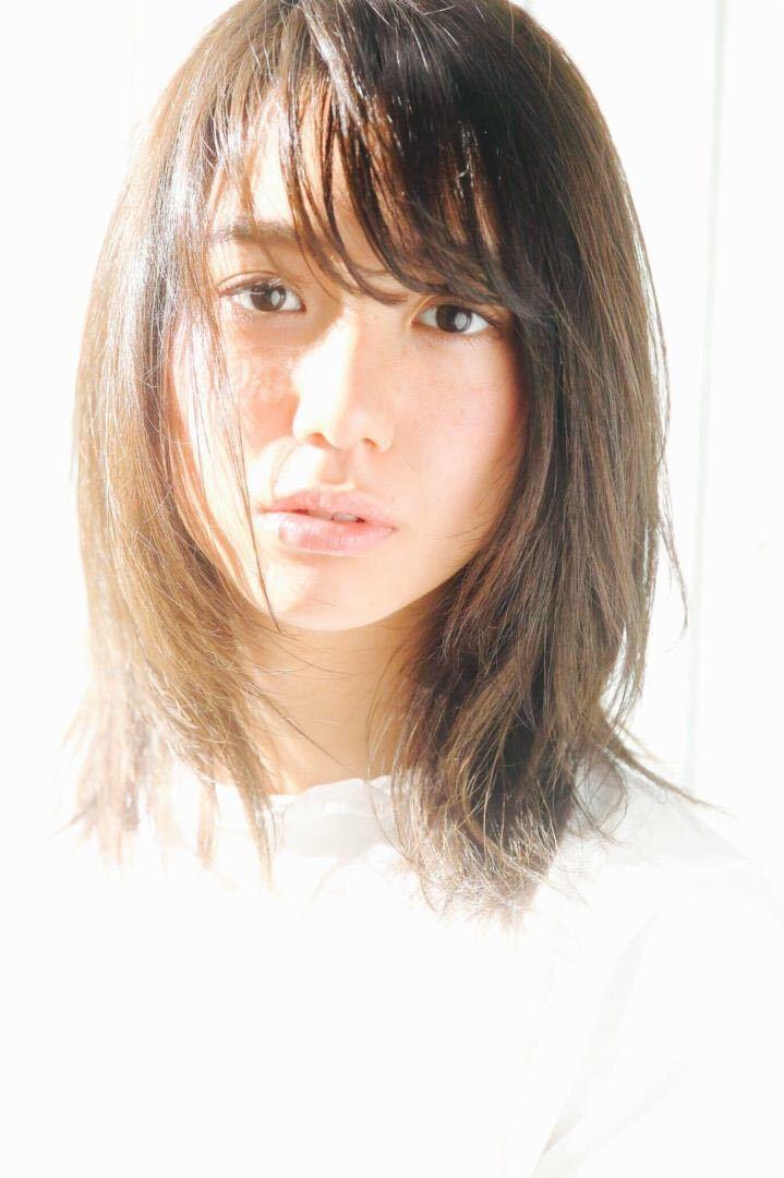 Kenji suzuki Tierraさんのヘアスタイルの写真。テーマは『夏ヘア、イルミナカラー、切りっぱなし、バッサリカット、ナチュラル、ベージュカラー、ボブ、エフォートレス、セミウェット、長めボブ、ウザバング、ニュアンスパーマ』