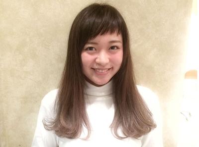 Tierra スガシュンスケ担当 2016年 大人気の前髪!!! 「リトルバング」 または「ベビーバング」 女優さん、芸能人やモデルさんにも多数いるこの前髪は以外と似合わせやすく、日本人にとっても似合います☆*☆* #エフォートレス #レイヤー #ロング #セミロング #グラデーションカラー #グラデーション #ベージュ #グレージュ #ハイライト #ショートバング