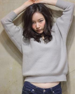 予約http://beauty.hotpepper.jp/smartphone/slnH000047457/stylist/T000295056/ #ロング #エフォートレス #ダークカラー #黒髪 #おフェロ#暗髪