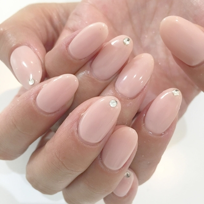 シンプルワンカラー ¥3980 スワロ1つ粒¥54〜  #nail #nails #nailist #nailart #nailsalon #tokyo #shibuya #fashion  #life #like #love #instagood #instadaily #follow #followme #me #happy  #salon #winter #instanail #ネイル #ネイリスト #ネイルアート #ネイルデザイン #美甲 #pink #オフィスネイル