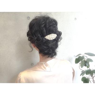 いつもご来店頂いているN様何とN様の髪の毛の長さは顎ラインのショートです!短い長さのお客様のヘアセットも得意です(^^)ヘアアレンジ→¥5400〜 #ダブルカラー #ベージュ #ハイライト #グレージュ #ハイトーン #ダークトーン #透明感 #外国人風 #グラデーション #ヘアー #hair #ヘアアレンジ #アッシュ #グレージュ #暗髪 #ダークトーン #パーマ #ウェーブ #ニュアンスウェーブ #ワンカール #簡単スタイリング #マーメイドアッシュ #オリーブグレー #ピンク #マッシュ #ショートヘアー #ショートボブ #おフェロ アレンジ #お呼ばれヘア #外ハネ #ショート #ミディアム #セミロング #ロング #ショートボブ #ボブ #春ヘア #ゆるぼさ #耳掛け #アッシュグレージュ #ナチュラル #大人かわいい #ゆるふわ #エフォートレス
