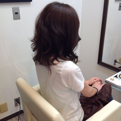 フロント矯正とアッシュのカラーカット(^ω^)巻き髪