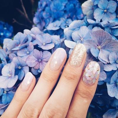 梅雨を楽しむ「紫陽花ネイル」が上品で素敵!しっとり輝く指先に癒されて♡