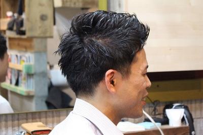 サイドと襟足部分をスッキリさせて、毛先の動き感をプラス。  鹿児島の深夜遅くまで営業している美容室KAZE  #ショート #メンズカット #鹿児島 #美容室 #男性 #スタイル #短髪 #男性ショート