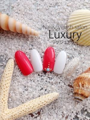 ハンドネイル初回¥4500〜 フットネイル¥5000〜 ︎045-453-6346 LINE ID:luxury_ マツエクとの同時施術可能です!