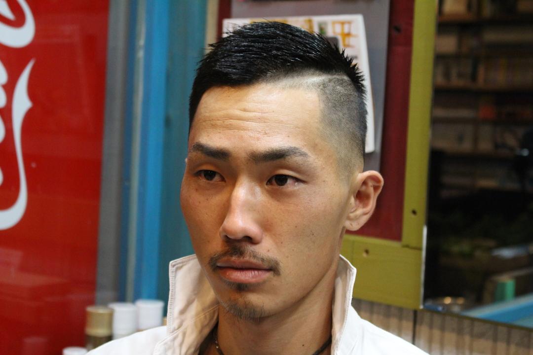 zyosehustepさんのヘアスタイルの写真。テーマは『震災刈り、メンズショート、モヒカン、ショートヘア、メンズ、男性短髪、夏ヘア、バリアート、坊主、ボウズ、男性カット、メンズヘア、男子髪型、髪型、ヘア、アシメ、刈り上げ』