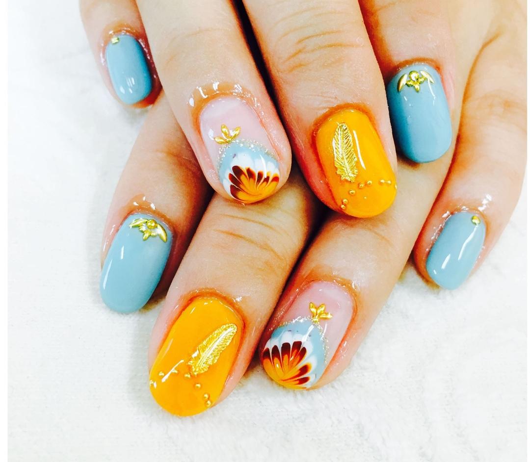 プティフル*naoさんのネイルデザインの写真。テーマは『秋ネイル、ブラウン、オレンジ、ブルー、ピーコック、フェザーネイル、ゴールド、ジェルネイル、カワイイ、トレンド、和歌山、サロン、ネイルサロン、ネイル』