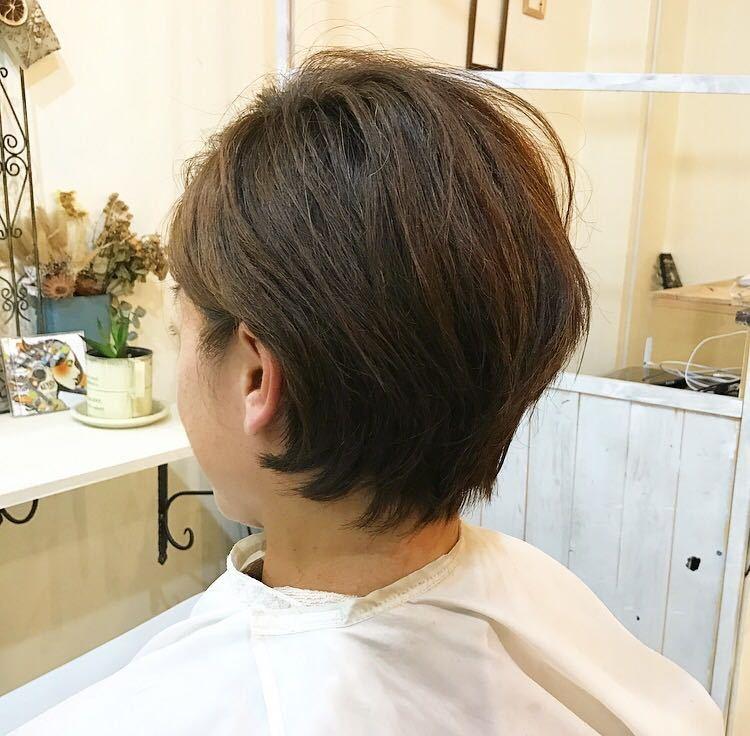 YUSUKE NAKAMURAさんのヘアスタイルの写真。テーマは『ショートボブ、耳かけ、バッサリカット』