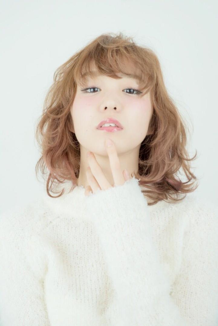 渡部 慎一朗さんのヘアスタイルの写真。テーマは『大人かわいい、ヘア、おフェロ、フェロモン系、ボブ、パーマ、ヘアスタイル、人気、可愛い、hair2016w、アンニュイ、シアカラー、抜け感、透明感、秋冬オススメ、オススメ』