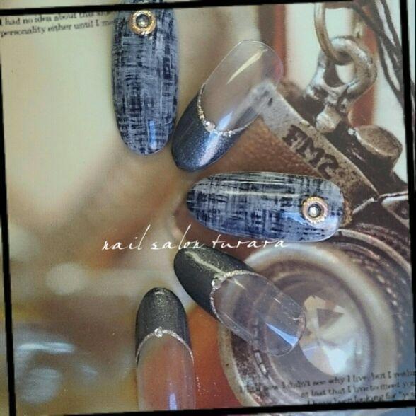 nailist.mioさんのネイルデザインの写真。テーマは『nail2016w 、冬ネイル、クリスマスネイル、フレンチネイル、ツイードネイル』