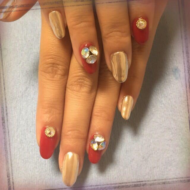 2016冬ネイル♡赤×トレンドのミラーネイルデザインの画像