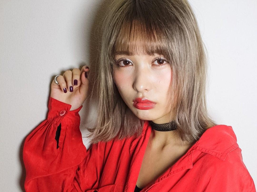 AFLOAT D'L(アフロート)山口祥さんのヘアスタイルの写真。テーマは『hair2016w、ホワイティベージュ、赤リップ』
