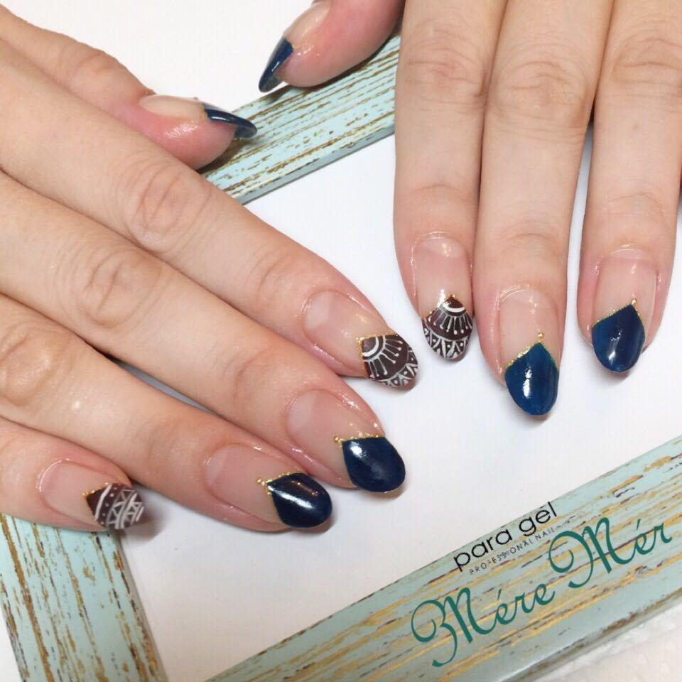 MereMer SayakaAoeさんのネイルデザインの写真。テーマは『nail2016w、ネイティヴネイル、ボヘミアンネイル、冬ネイル、サークルフレンチ、ネイビーネイル』
