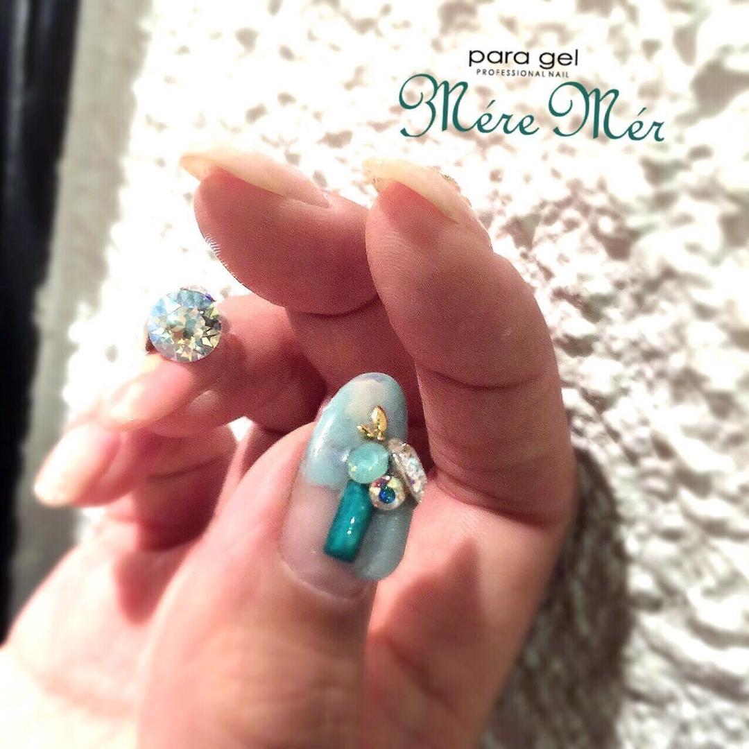 MéreMér SayakaAoeさんのネイルデザインの写真。テーマは『ターコイズ、ビジュー、ネイル、MereMer、パラジェル、ビジューネイル、nail2016w』