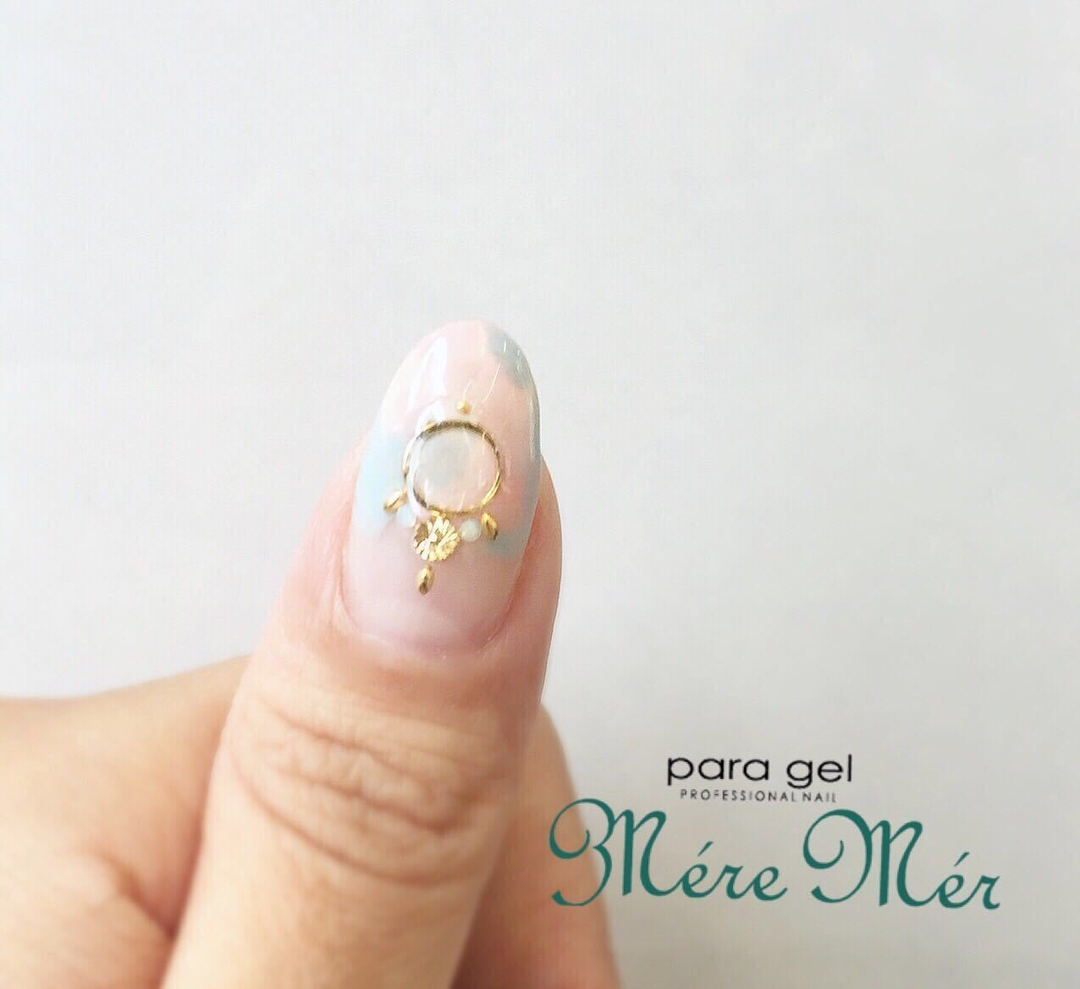 MereMer SayakaAoeさんのネイルデザインの写真。テーマは『フープピアスアート、MereMer、nail2016w』