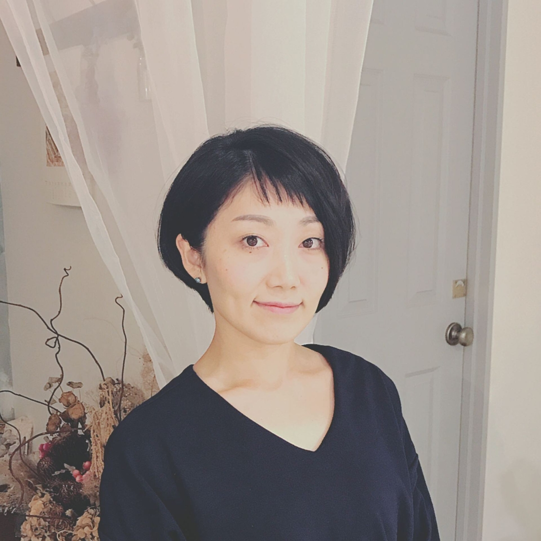 浦川 由起江さんのヘアスタイルの写真。テーマは『ショートボブ』