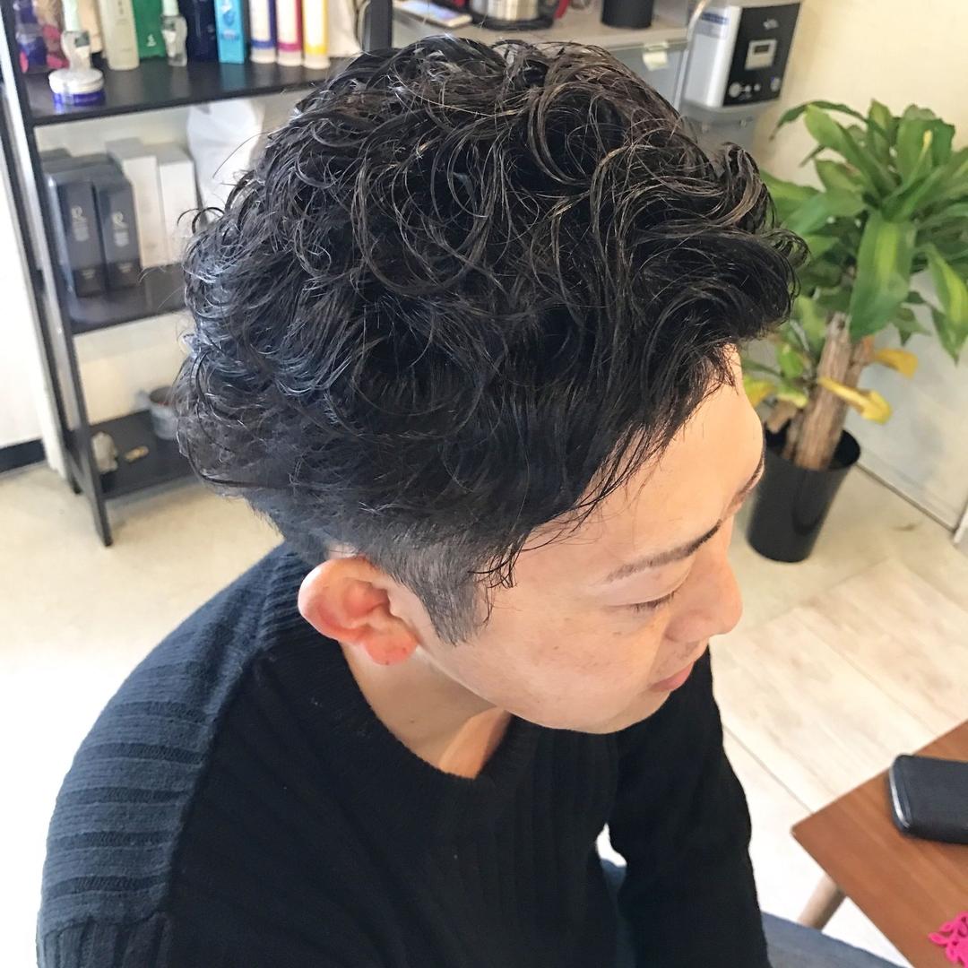 YUSUKE NAKAMURAさんのヘアスタイルの写真。テーマは『メンズ、パーマ、ショート、いめちぇんしました、髪バカ、オトナ、褒められ髪、福岡、美容室、トリコハート、おしゃれ、ハホニコ、取扱店』