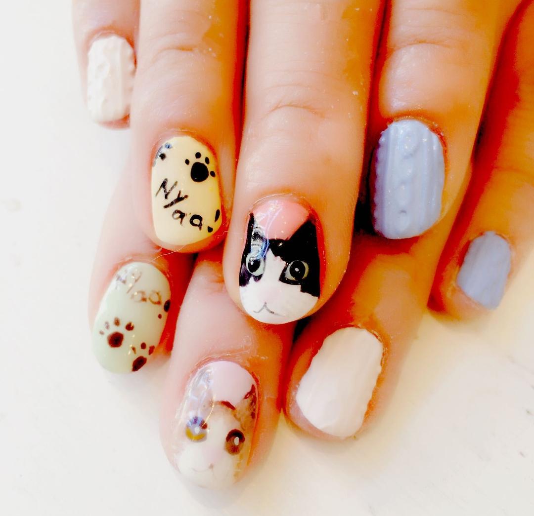 mikaさんのネイルデザインの写真。テーマは『国分寺、ネイル、ネイルサロン、ニットネイル、猫、猫ネイル、同時施術』