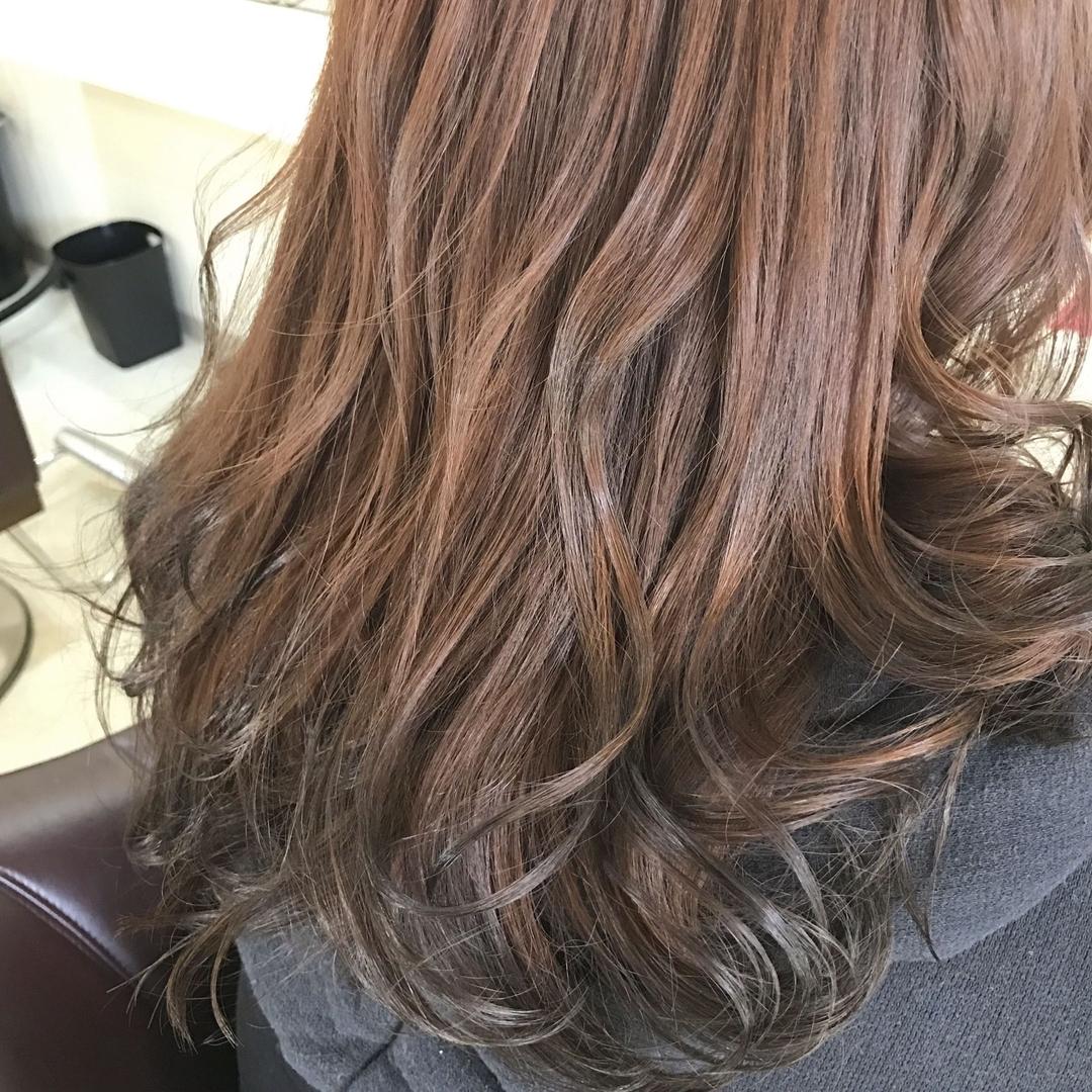 YUSUKE NAKAMURAさんのヘアスタイルの写真。テーマは『ピンクベージュ、グラデーション、トリコハート、巻き髪、攻めのグラデーション、褒められ髪、福岡』