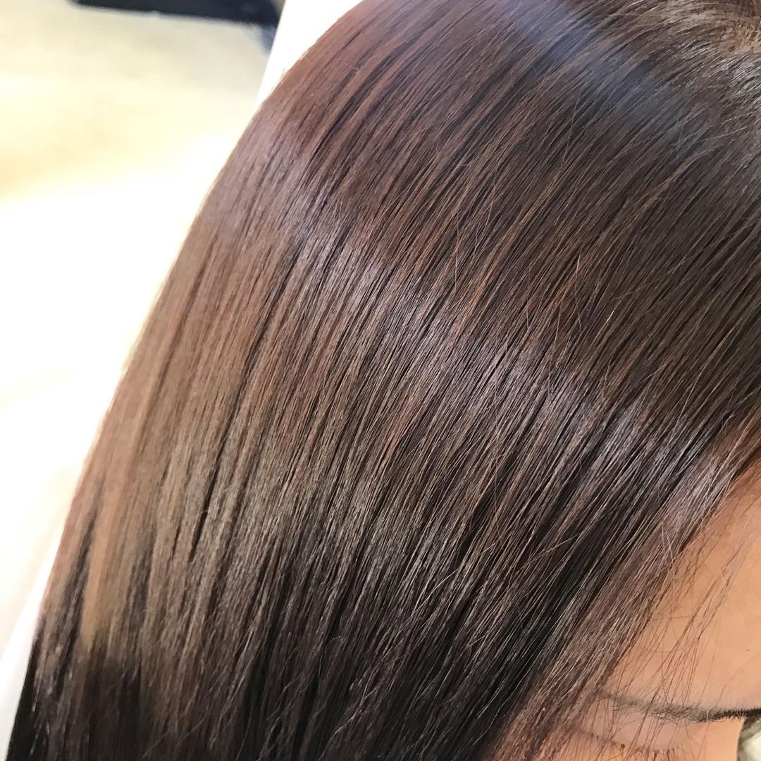 YUSUKE NAKAMURAさんのヘアスタイルの写真。テーマは『ツヤ髪、福岡、褒められ髪、トリコハート、ピンクベージュ、天使の輪、復活、ストレート』