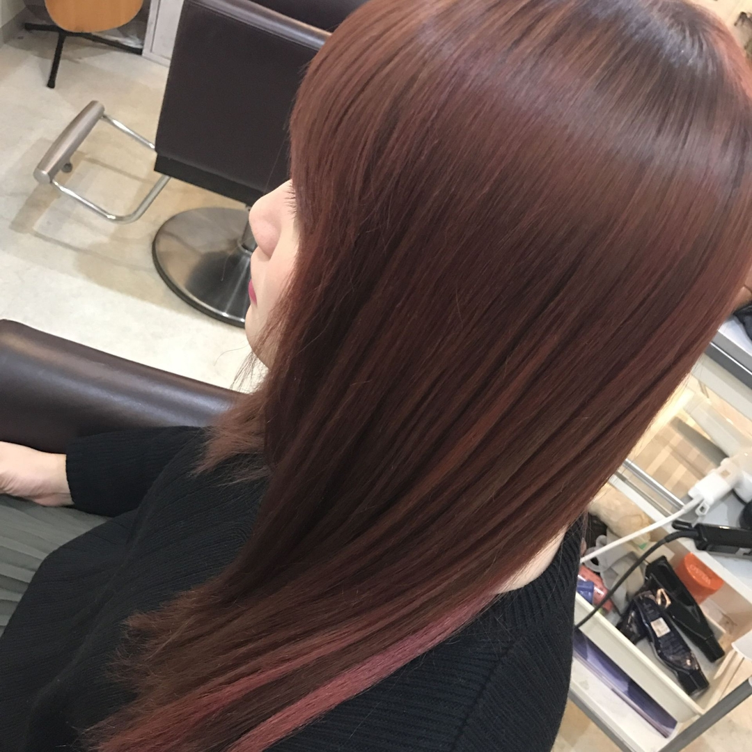 YUSUKE NAKAMURAさんのヘアスタイルの写真。テーマは『美髪、レッド、赤、インナーカラー、ストロベリーレッド、ピンク』