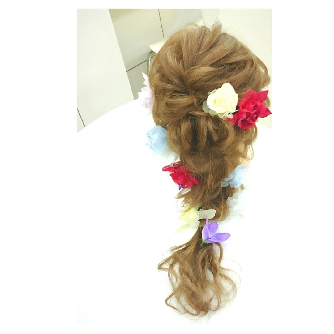 chisa.tさんのヘアスタイルの写真。テーマは『hairset、セットサロン、love、大人かわいい、ゆるふわ、おしゃれ、ツイスト、byshair、locari、hair、hairstyle、アレンジ、arrange、mery、hairarrange、カジュアル、カジュアルアレンジ、お洒落、美容師、美容室、ナチュラル、ヘアアレンジ、ヘアセット、ルーズ、編みおろし、ブライダル、二次会ヘアセット、編み込み』
