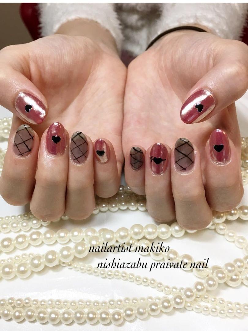 makikoさんのネイルデザインの写真。テーマは『バレンタインネイル』