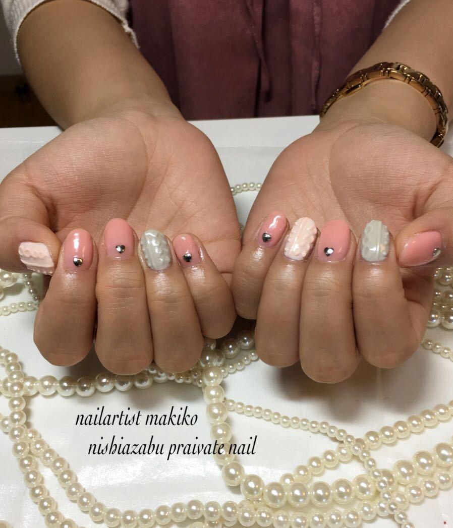 makikoさんのネイルデザインの写真。テーマは『ニットネイル、ネイル』