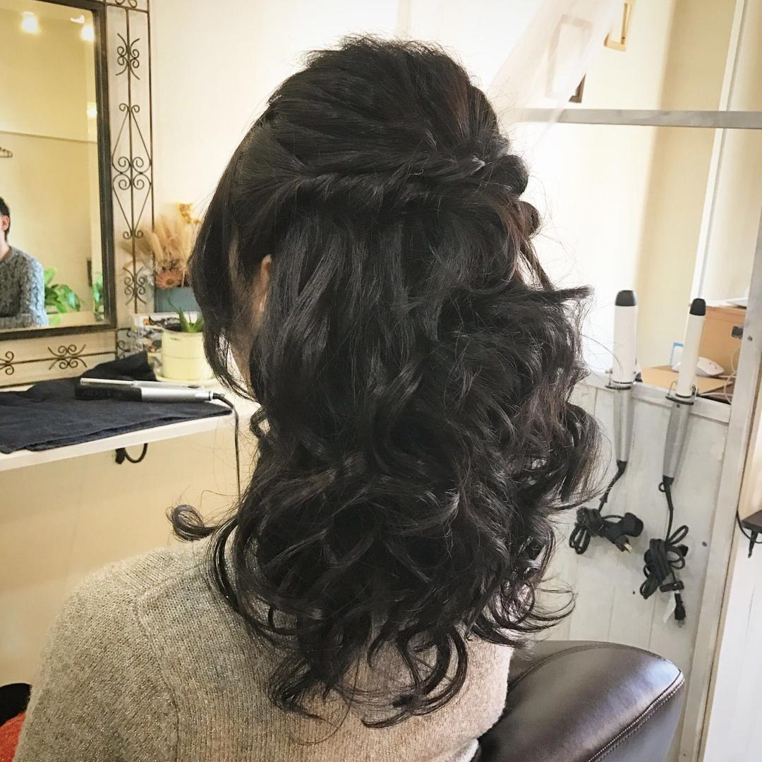 YUSUKE NAKAMURAさんのヘアスタイルの写真。テーマは『大人かわいい、ロング、ヘアアレンジ、アレンジ、セット、ハーフアップ』