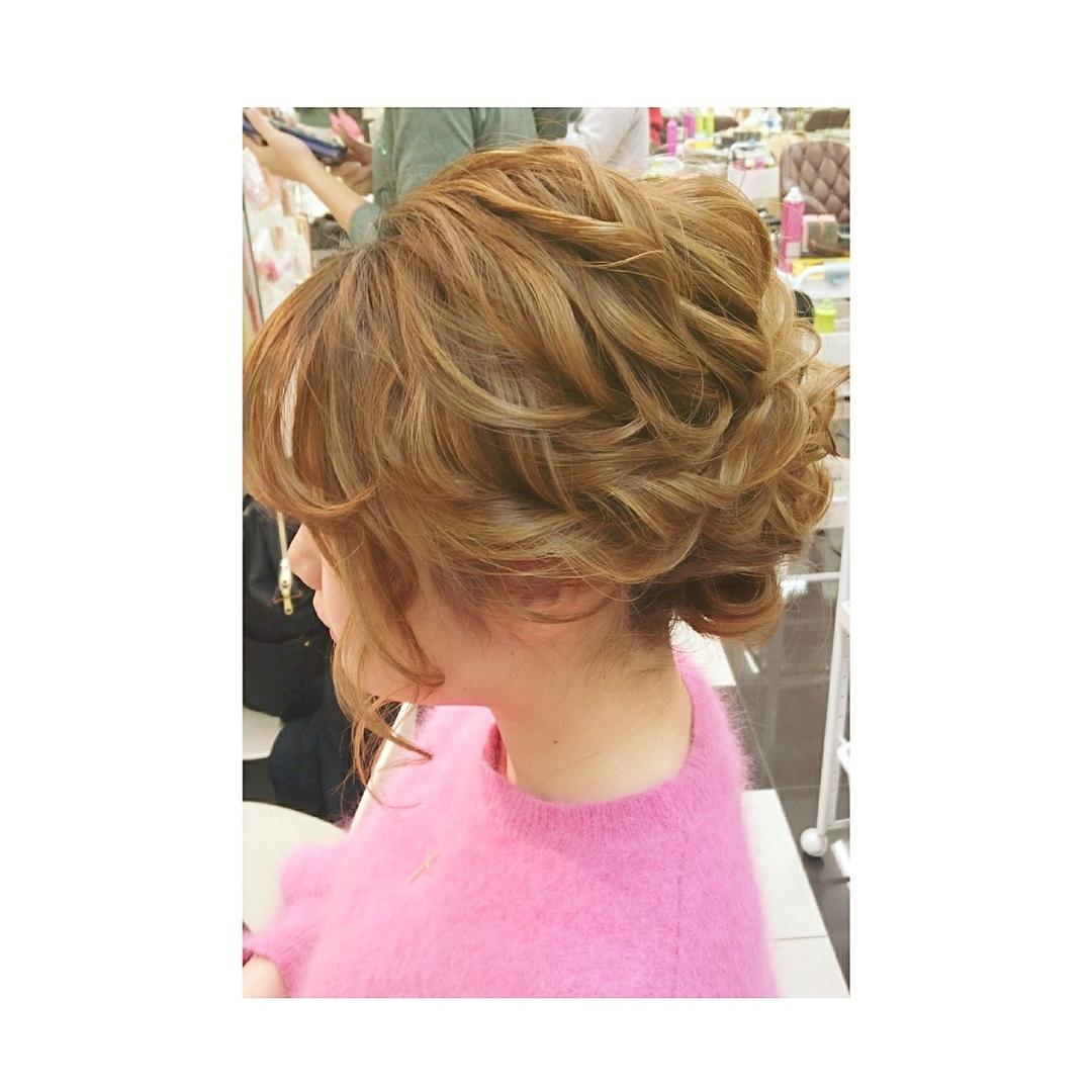 chisa.tさんのヘアスタイルの写真。テーマは『ヘアアレンジ、ナチュラル、美容室、美容師、ヘアセット、カジュアル、hairarrange、二次会ヘアセット、hair、hairstyle、arrange』